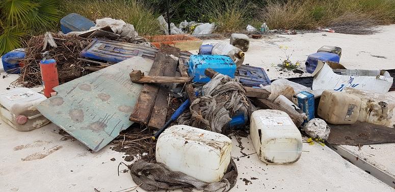 Abandonen 7 abocaments il·legals durant l'últim mes al Paisatge Protegit de la Desembocadura del Millars
