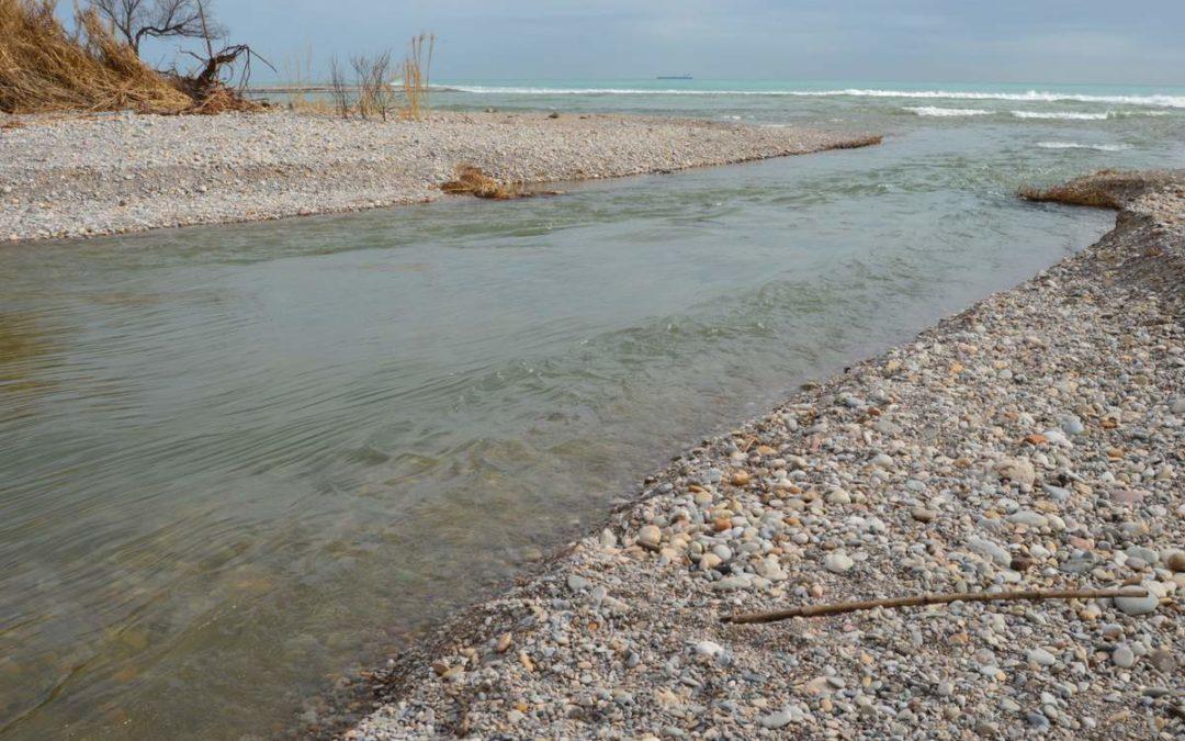 La desembocadura del riu Millars es torna a obrir a la Mediterrània després d'un any tancada